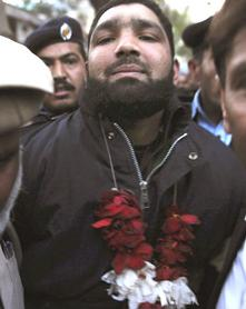 Mumtaz Hussain Qadri  Flowers in the court in Rawalpindi
