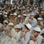 Prayer for Pakistan in Karachi Deeni Madrasa