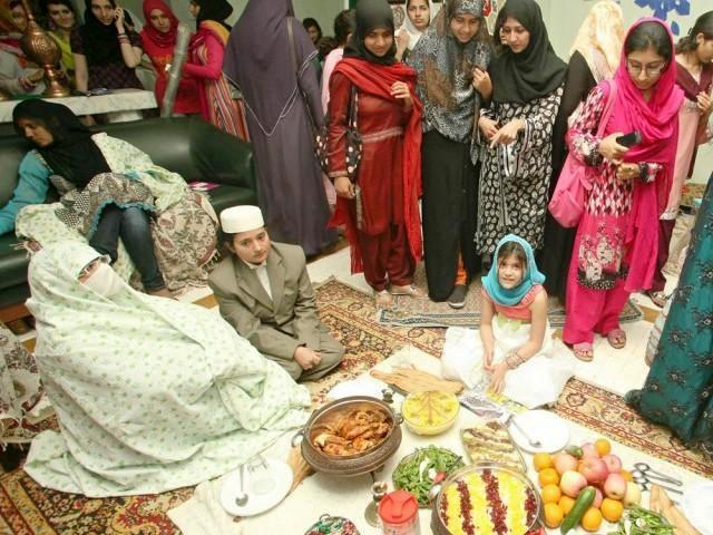 essay on religious festival of pakistan Festivals in pakistan shab-e-barat : religious festival celebrated on 14th of shaaban, the 8th islamic month prayers, fire works, exchange of sweet dishes and visits.