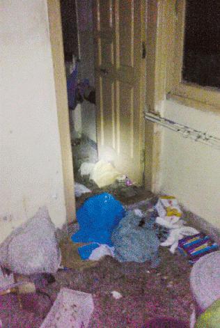 Osama inside House Pics Abbottabad Pakistan – Broken Door