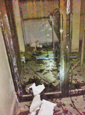 Osama inside House Pics Abbottabad Pakistan – Broken Shelf