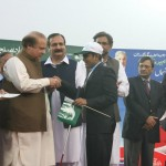 Nawaz Sharif distribute Laptops and Intership letters to youth Lahore (3)