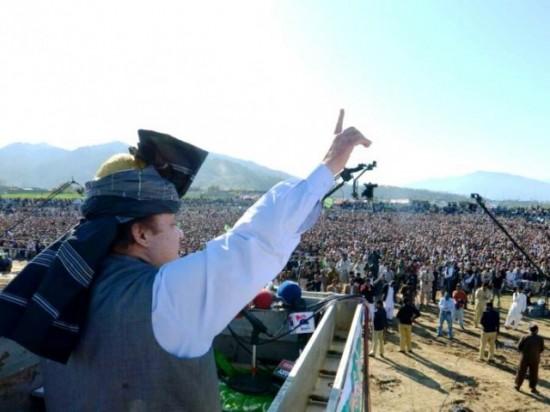 Nawaz Sharif Addressing Huge Jalsa in Mansehra City on 25-3-2013