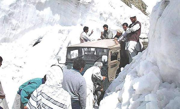 Naran Kaghan Snowfall 2015