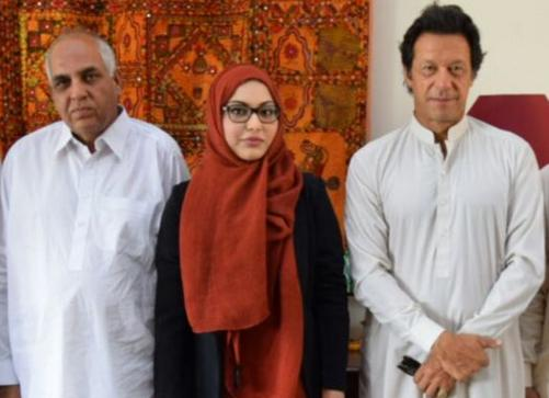 Imran Khan Group Photo With Jatt Family Burewala Vehari Ch Nazir Jatt and Ayesha Nazeer Jutt