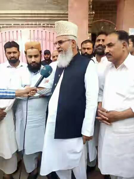 pp-78-jhang-muhammad-ahmad-ludhianvi-submitting-nomination-papaers-for-by-election-1